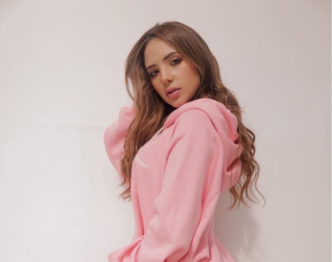 Anabel-Ramirez-Wallpapers-Insta-Fit-Bio-11