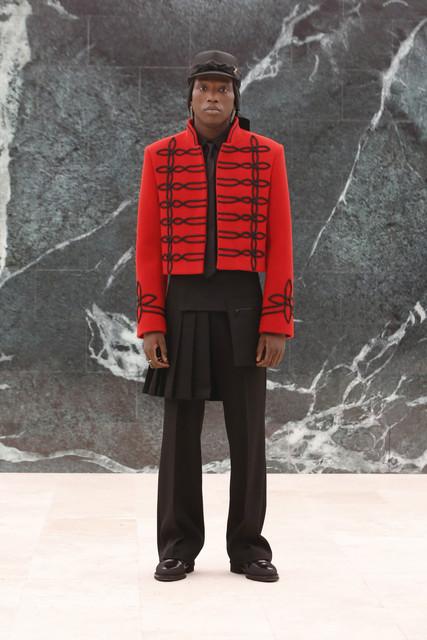 016-Louis-Vuitton-Fall-2021-Menswear.jpg