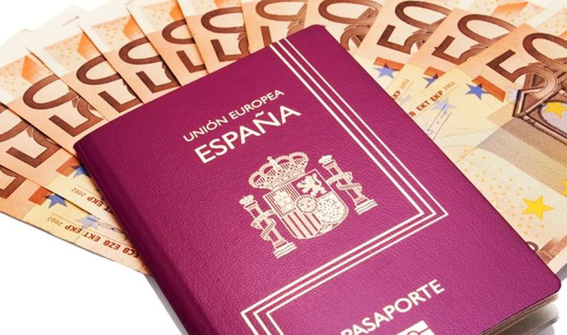 Euro en paspoort Gouden visum Spanje 2020 - verblijfsvergunning voor beleggers in Spanje