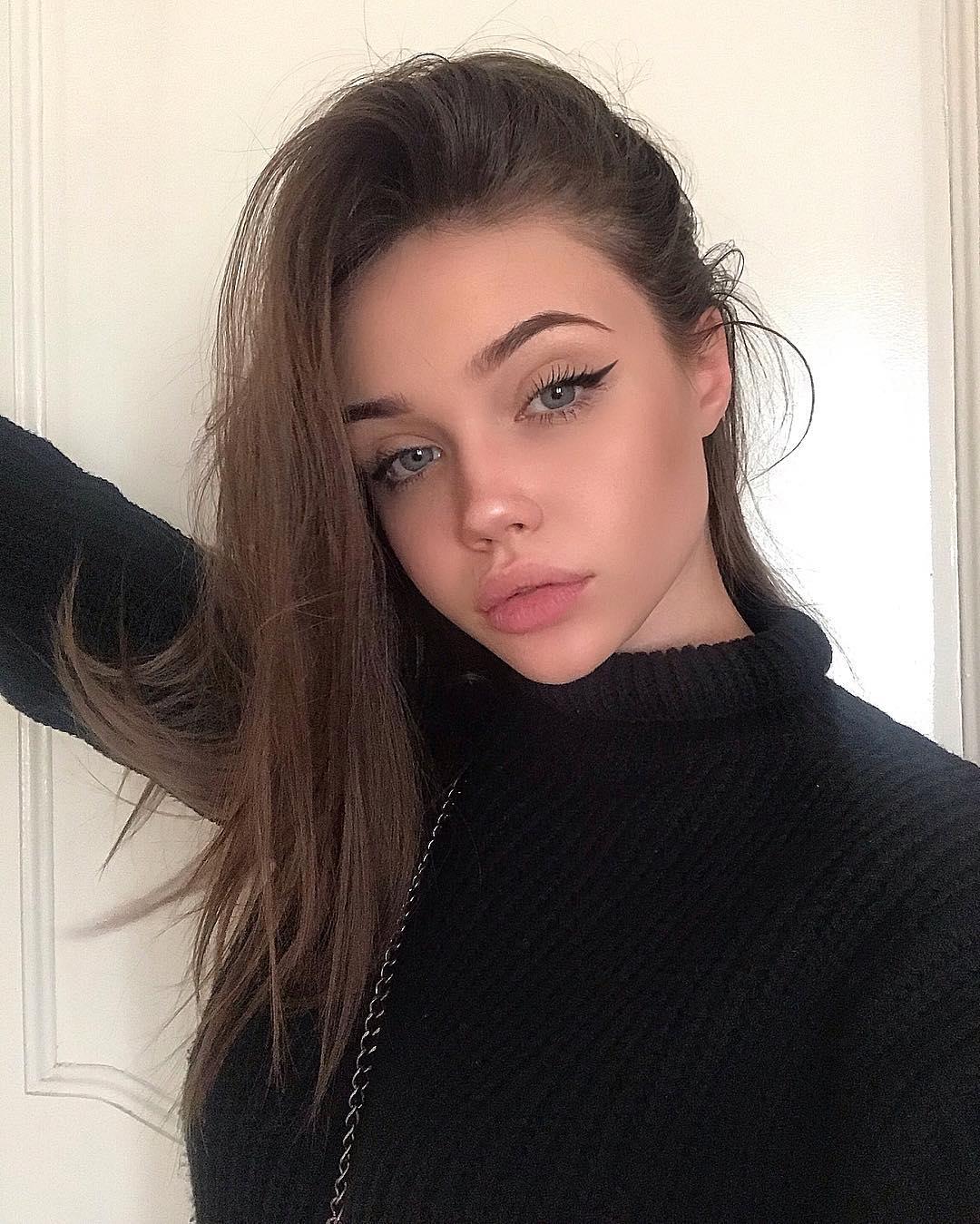 Eliza-Kayudina-Wallpapers-Insta-Fit-Bio-1