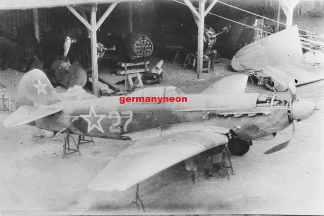 SOVIET-A-f-YAKOVLEV-YAK-9-1940s-1