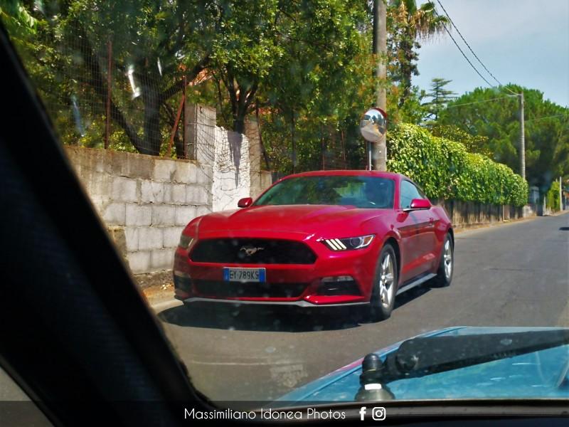 Avvistamenti auto rare non ancora d'epoca - Pagina 25 Ford-Mustang-EY789-KS-1
