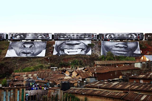 JR-women-are-heroes-kenya-2.jpg