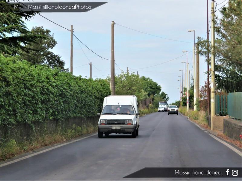Veicoli commerciali e mezzi pesanti d'epoca o rari circolanti - Pagina 9 Renault-Express-1-1-48cv-91-CT973390