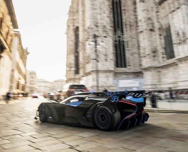 2020 - [Bugatti] Bolide concept D8883-F32-F655-4-AB0-9-CAD-A5-AEFBAEA751