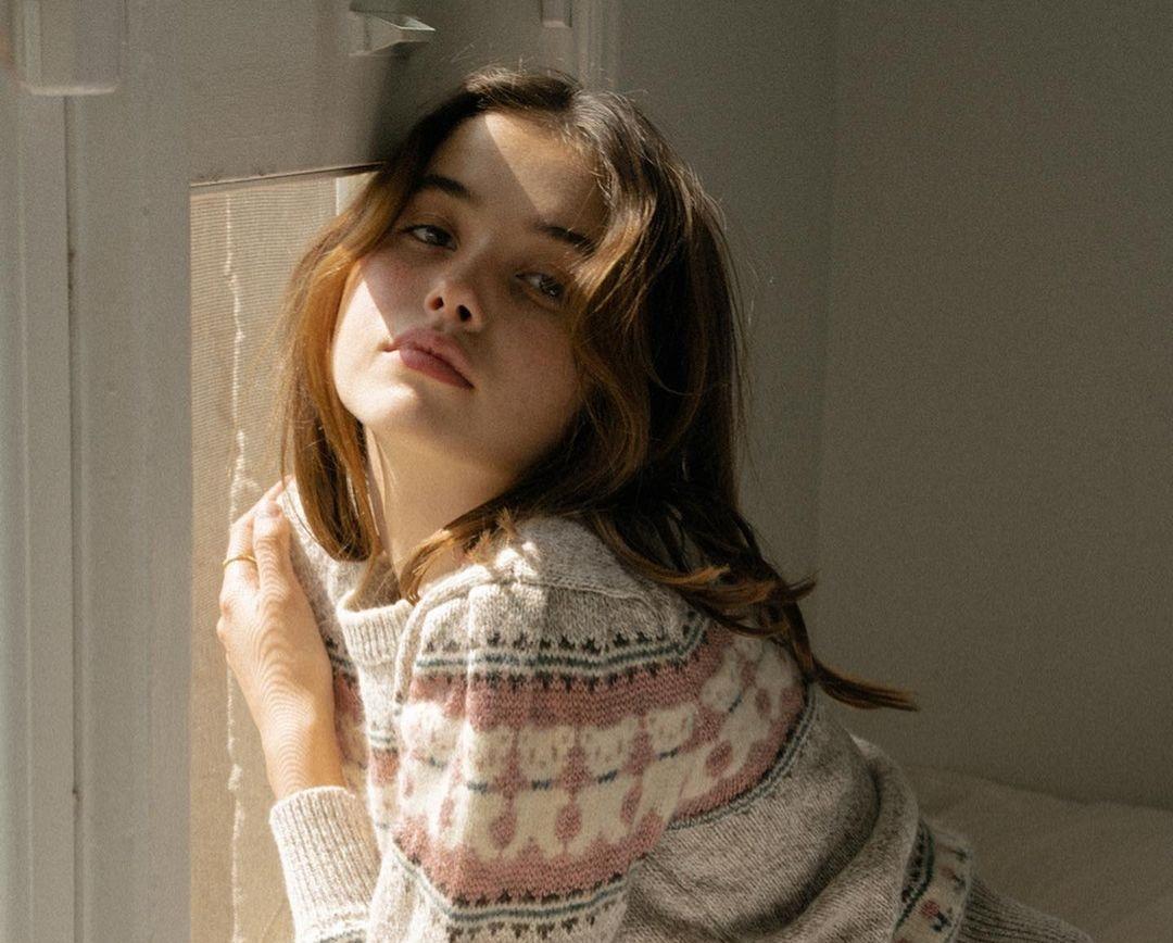 Emilia-Merkell-Wallpapers-Insta-Fit-Bio-4