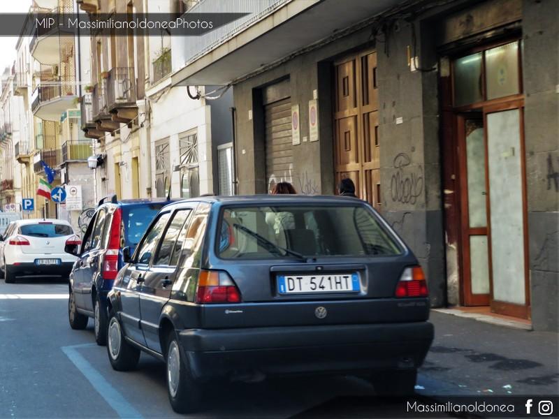 avvistamenti auto storiche - Pagina 12 Volkswagen-Golf-GL-1-3-54cv-90-DT541-HT-72-727-2-1-2019