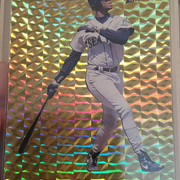 Griffey 1994  Pacific Prism Gold Prism