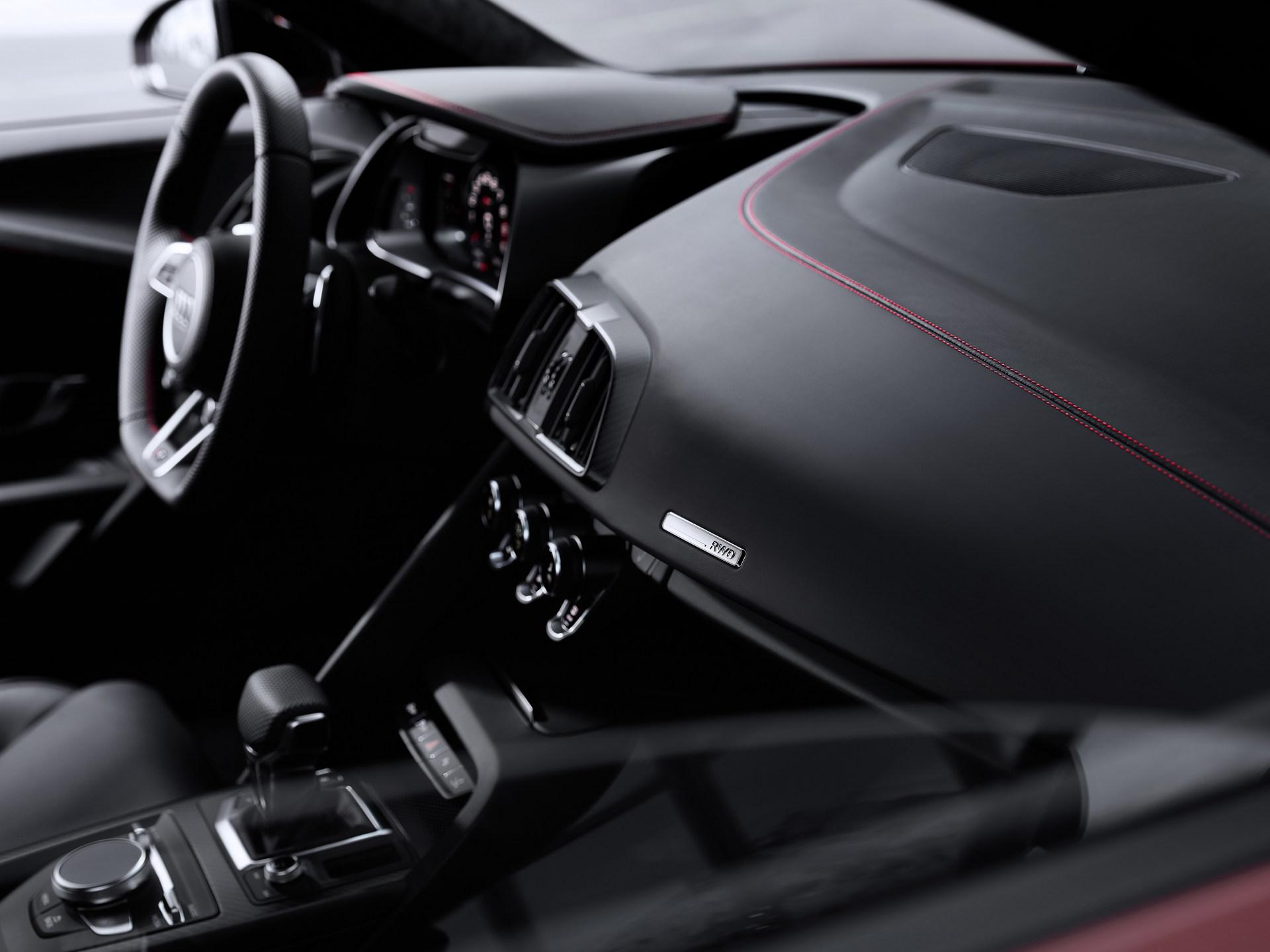 2022-Audi-R8-V10-Performance-RWD-19