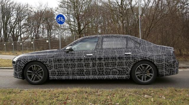 2022 - [BMW] série 7  - Page 5 74-BDF69-C-748-E-45-BE-8-BA2-70-BF51511427