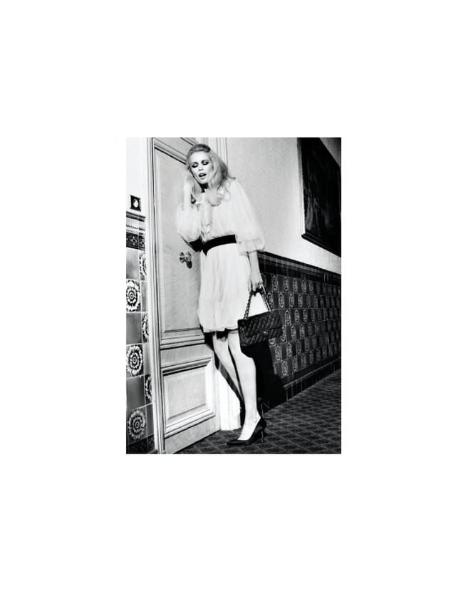 Новая книга Клаудии Шиффер Claudia Schiffer  с фотографиями юности 21