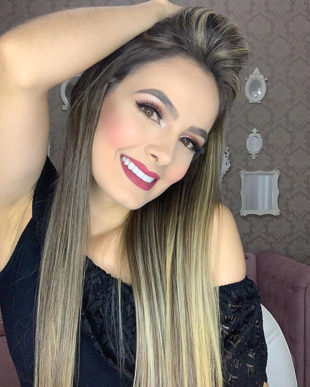Ana-Jessica-Wallpapers-Insta-Fit-Bio-5