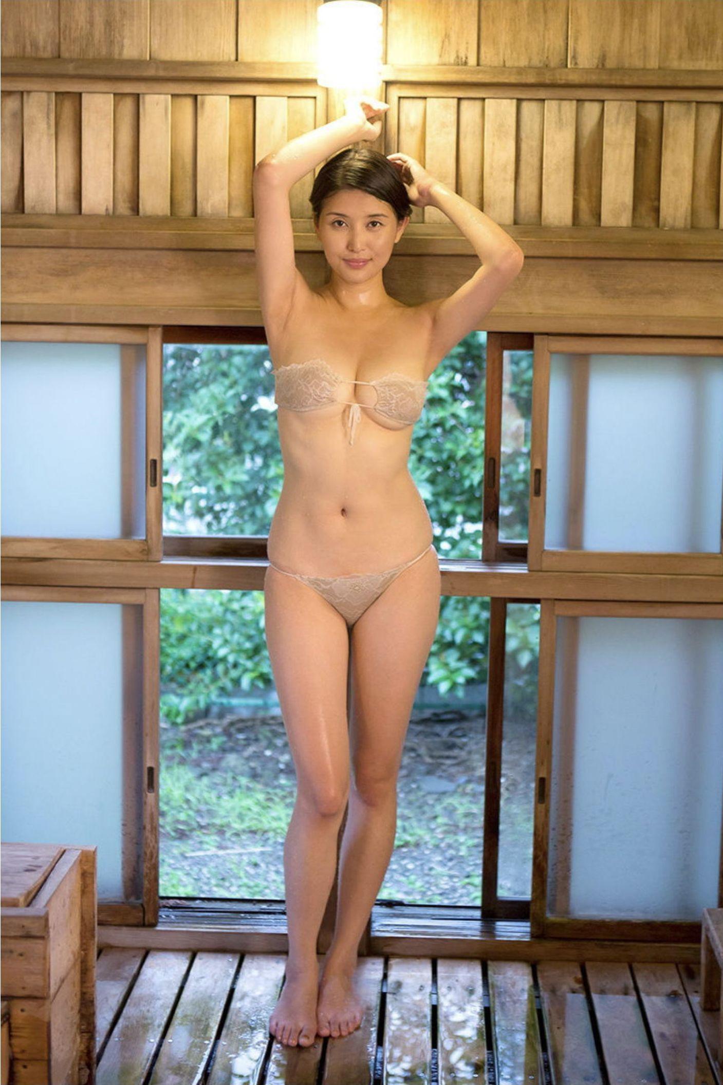 『愛の記憶』橋本マナミ デジタル写真集 042