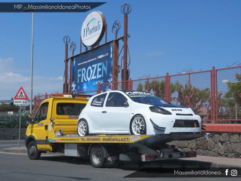 Avvistamenti auto rare non ancora d'epoca - Pagina 23 Renault-Clio-RS