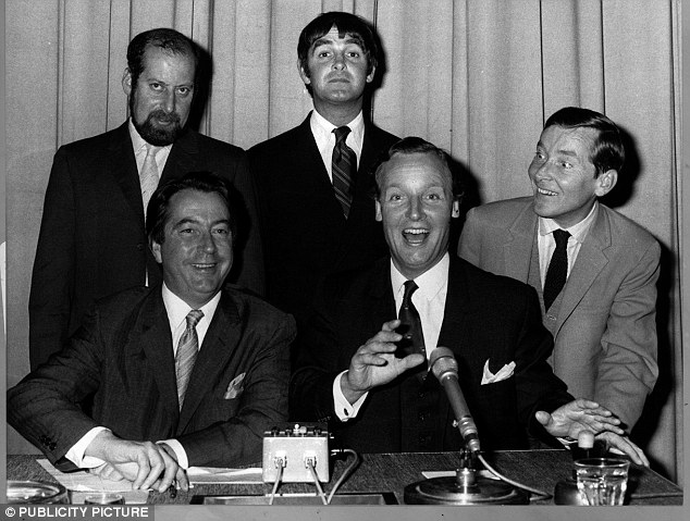 https://i.ibb.co/k58KWnY/0016-D98700000258-0-Clement-Freud-top-left-came-to-prominence-in-the-1960s-after-app-a-2-14660347382.jpg