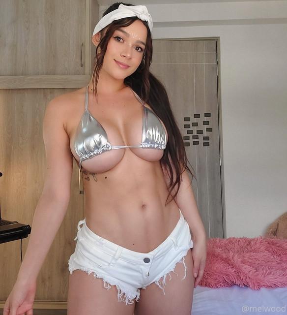 Melanie-Wood-Melwood-Onlyfans-Nudes-Leaks-0001