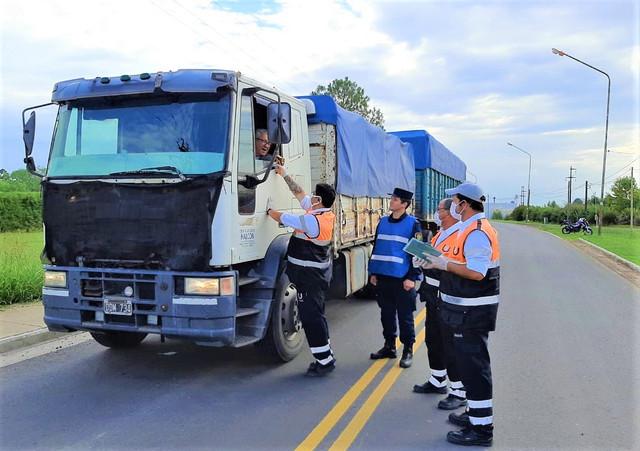 Locales: UTILIZAN TERMOMETROS INFRARROJOS EN EL CONTROL DE LOS ACCESOS URDINARRAIN