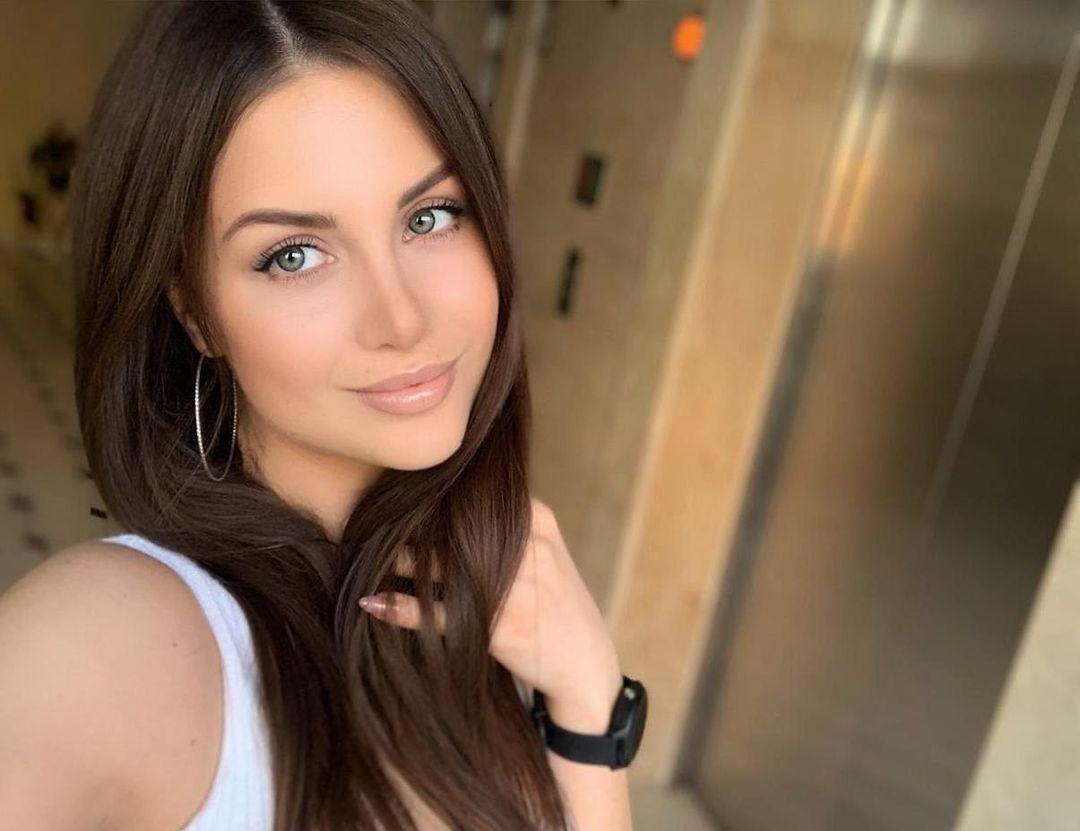 Alena-Gogoleva-Wallpapers-Insta-Fit-Bio-7