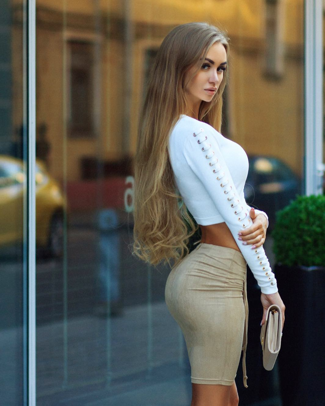 Valenti-Vitel-Wallpapers-Insta-Fit-Bio-7
