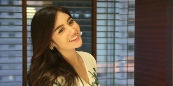 Foto Bersama Nabilah JKT48, Pengemudi Ojol: Siapa Namanya?