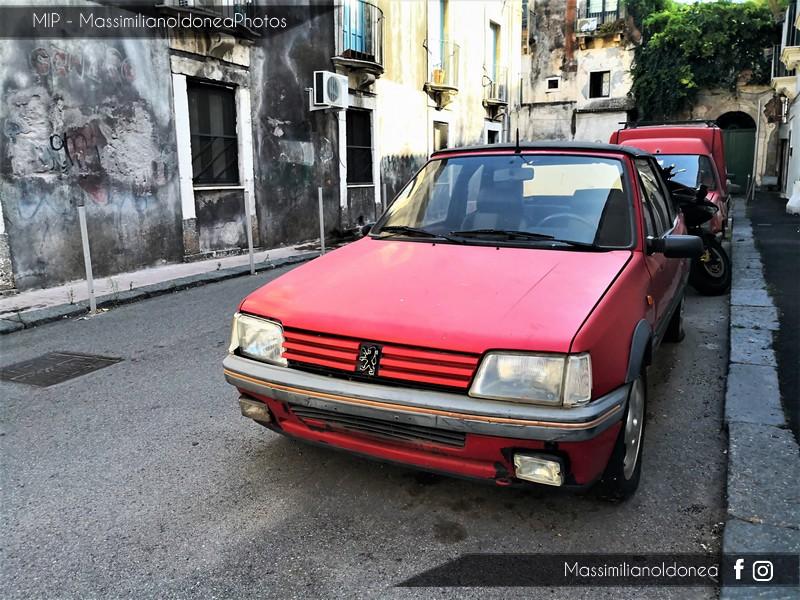 Auto Abbandonate - Pagina 8 Peugeot-205-Cabriolet