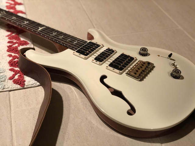 Special Semi Hollow Antique White