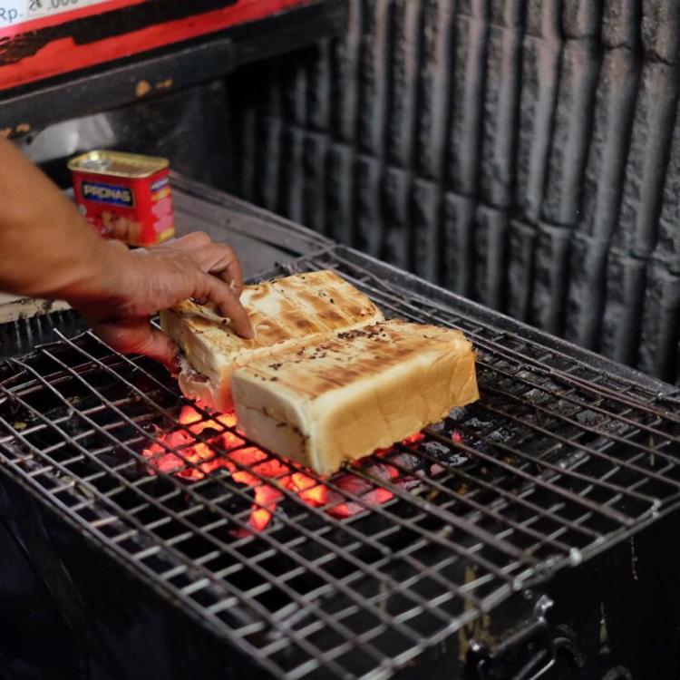 Roti Bakar Gang Kote