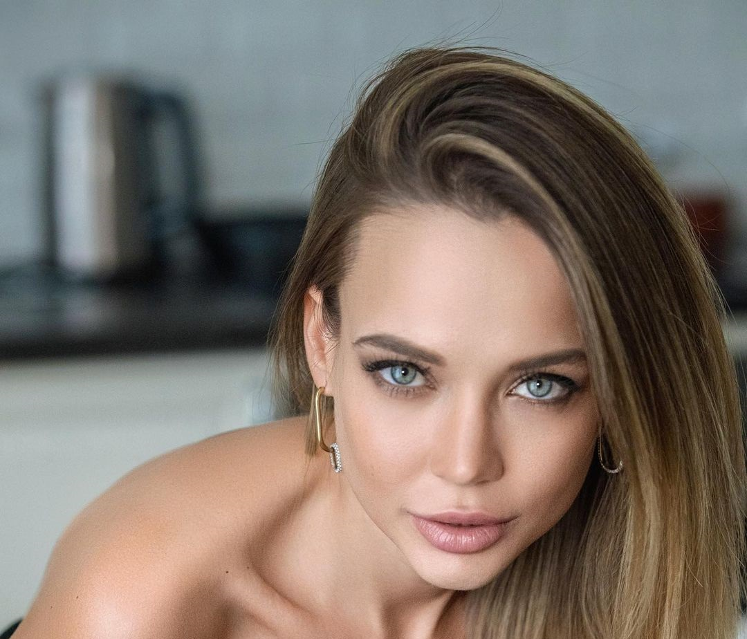Angelina-Petrova-Wallpapers-Insta-Fit-Bio-7