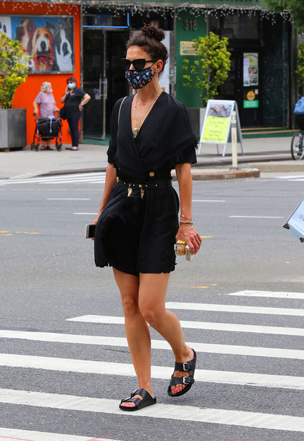 Katie-Holmes-looks-sexy-in-an-all-black-ensemble-as-she-makes-heads-turn-while-out-shopping-in-Downt