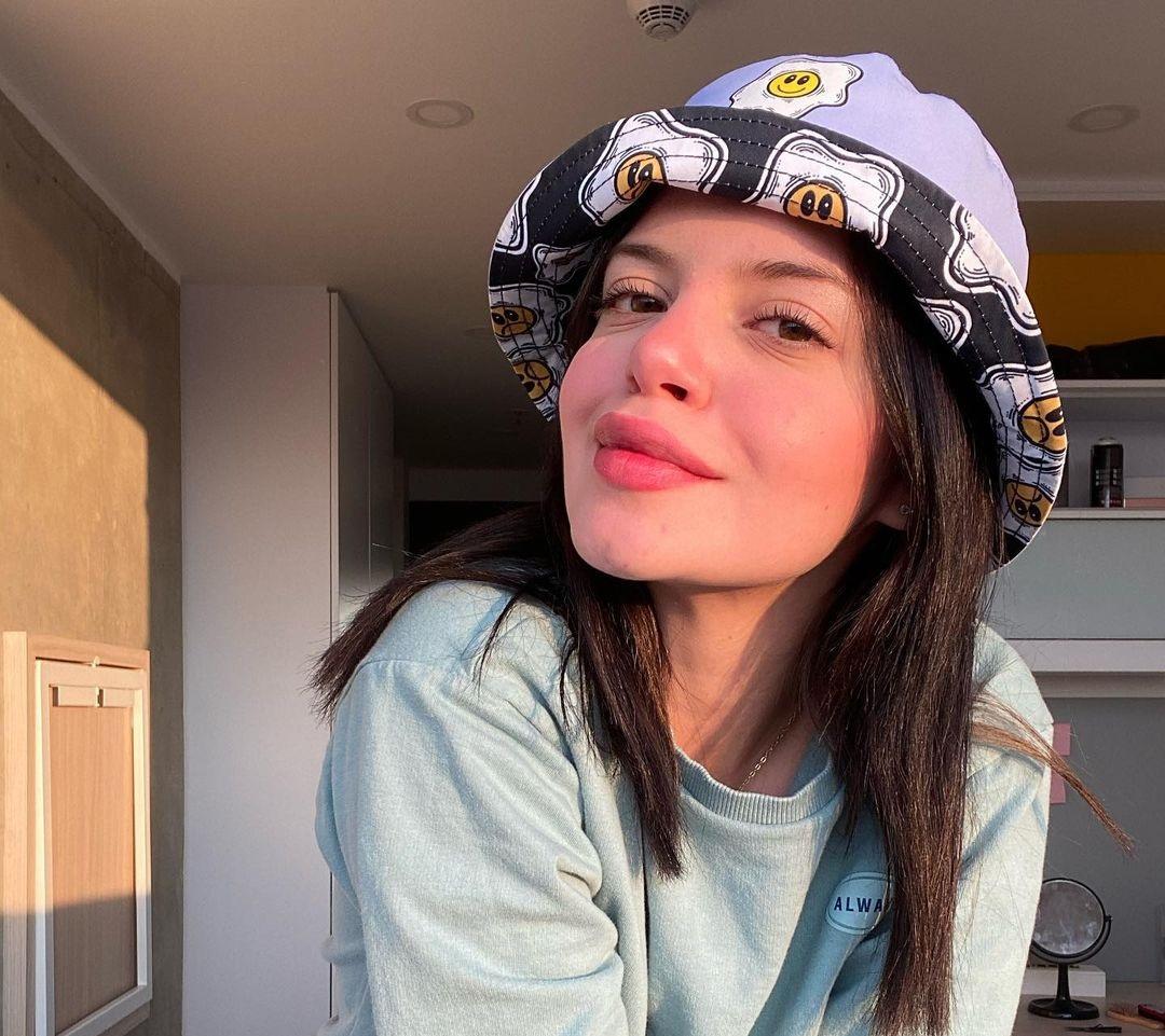 Paulina-Buenavida-Wallpapers-Insta-Fit-Bio-6