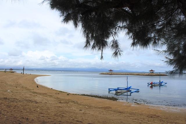 Pantai-Karang-www-house-villa-com-001