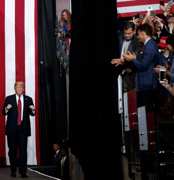 La revista Time tiene una web para generar insultos por Trump - Página 3 Fjpgrx3
