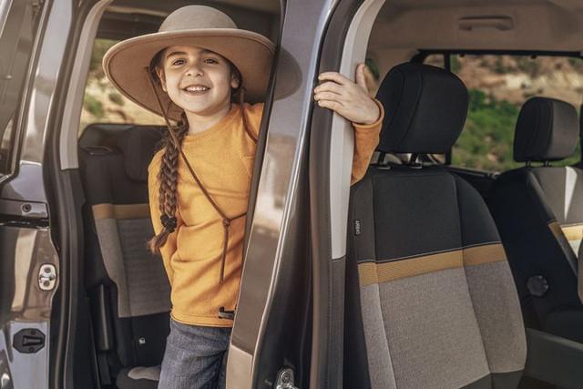 2018 - [Peugeot/Citroën/Opel] Rifter/Berlingo/Combo [K9] - Page 8 31602965-3-AE3-4106-98-FF-3889-BC235979