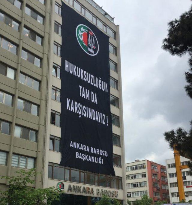 Ankara Barosu YSK pankartı