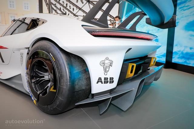 2021 - [Porsche] Mission R - Page 2 8-A065582-F4-ED-438-A-A663-76-B3-ECC91914