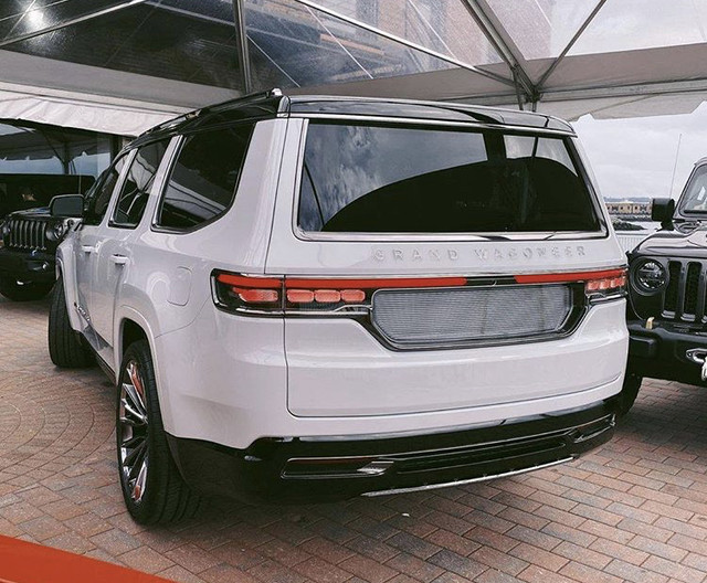 2020 - [Jeep] Wagoneer concept  - Page 2 46-A967-EA-595-A-43-AA-92-B7-8-CCDA9-A0230-E
