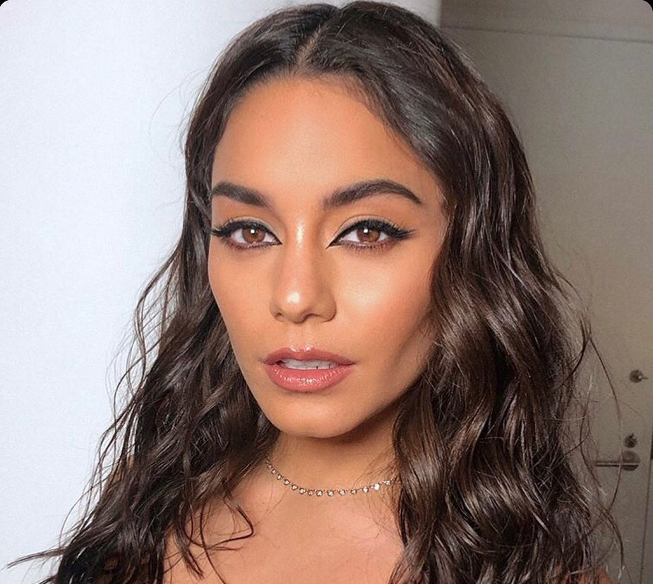 Vanessa-Hudgens-Wallpapers-Insta-Fit-Bio-8