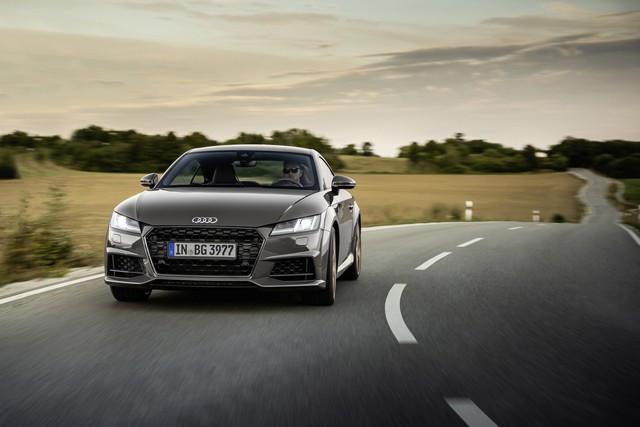 Accent sportif : l'Audi TTS competition plus A208508-medium