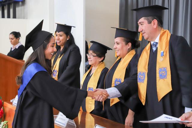 Graduacio-n-Cuatrimestral-31