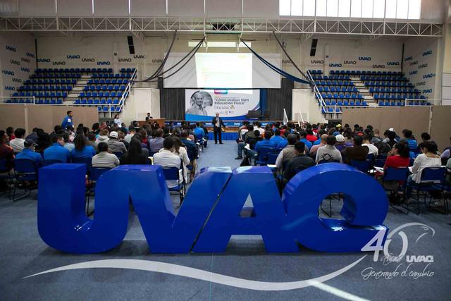 ponencia-internacional-evaluar-educacion-fisica-UVAQ-IMG-7322