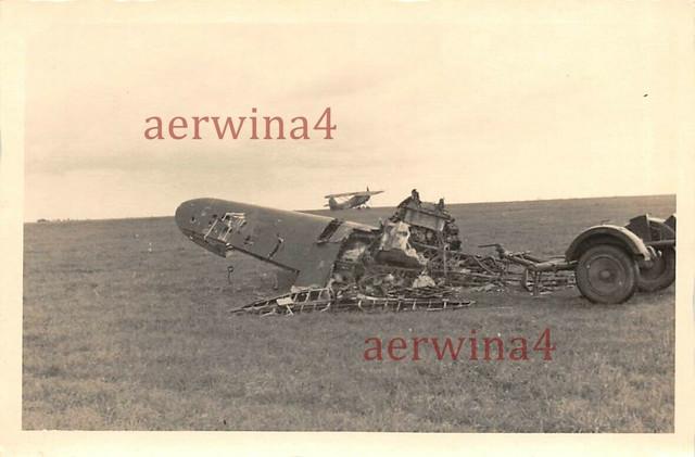 russ-Flugzeug-Rowno