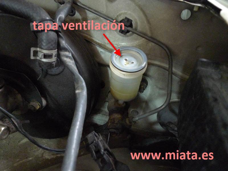 TUTORIAL DE COMO CAMBIAR EL EMPUJADOR HIDRAULICO DE LA LEVA DEL EMBRAGUE DEL MX-5/MIATA. 018