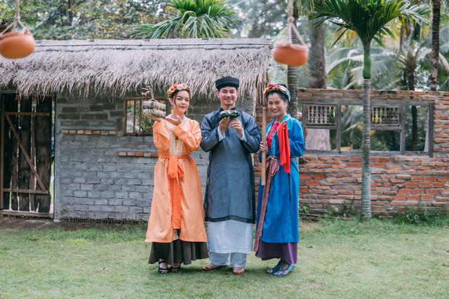 Vừa tung teaser tập 1 'Tết Nay Ăn Gì', Lâm Vỹ Dạ đã bị 'bố chồng' Xuân Bắc cho 'ăn hành'