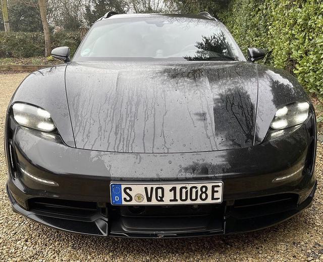 2020 - [Porsche] Taycan Sport Turismo - Page 3 D68-AA4-B3-6252-49-E7-8380-37-BAADADDA73