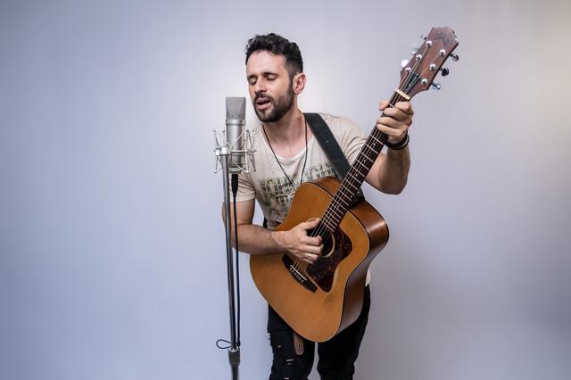 Serginho-Freitas-4-Cr-dito-Andre-Novaes-Obra-Prisma
