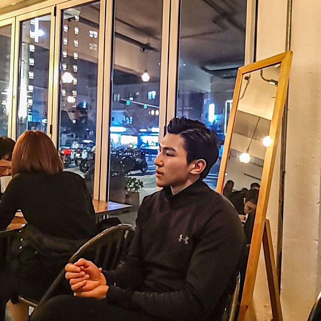 Sinnon Hyeon, chàng PT soái ca sexy với hình xăm đẹp