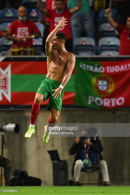 [Image: Faro-Portugal-1-September-2021-Cristiano...-s-fir.jpg]