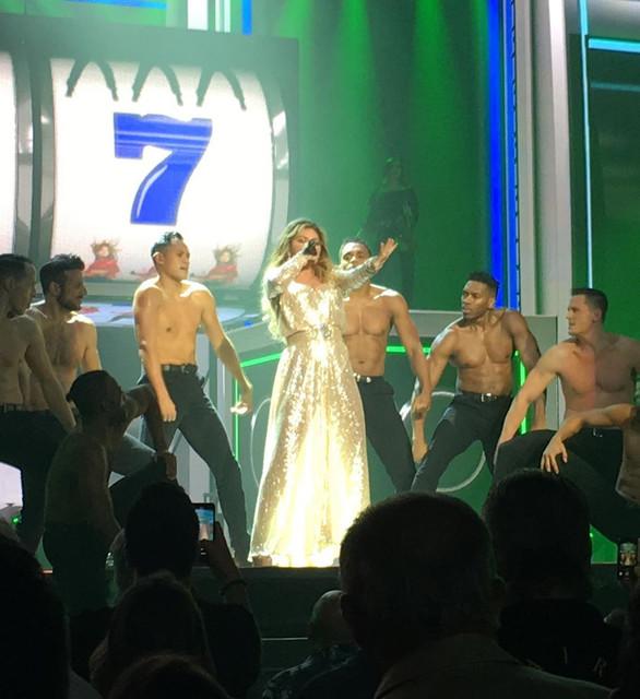 shania-vegas-letsgo-show121319-12