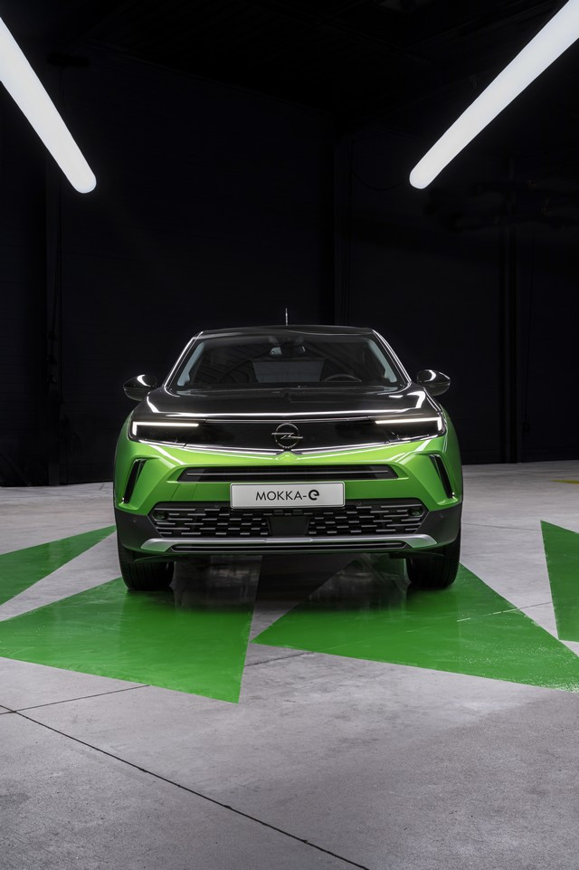 Première mondiale : le nouvel Opel Mokka 03-Opel-Moka-e-513398