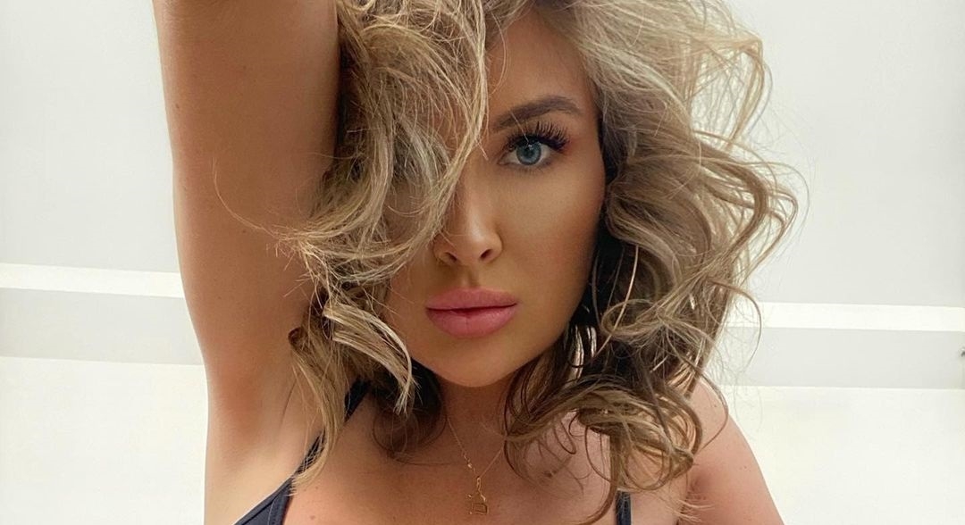 Brooke-Lynette-Wallpapers-Insta-Fit-Bio-Missbrooke-lyn-Wallpapers-Insta-Fit-Bio-23